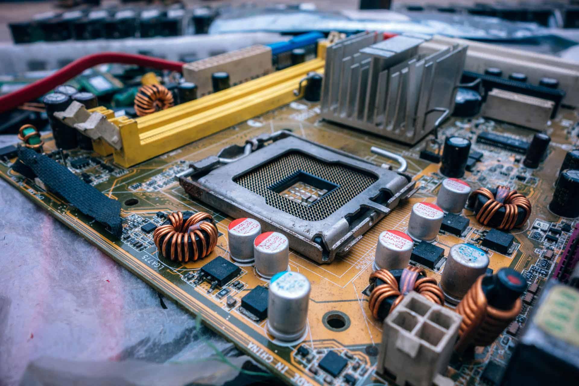 Popravka kompjutera i popravka monitora i nadogradnja
